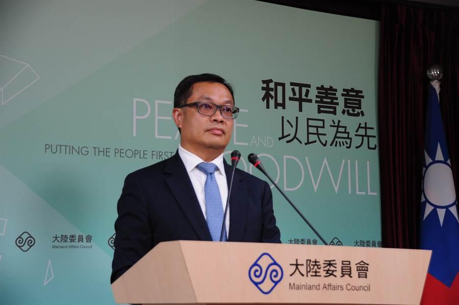 陸委會副主委陳明祺今在例行記者會上接受媒體詢問。(記者呂佳蓉/攝)