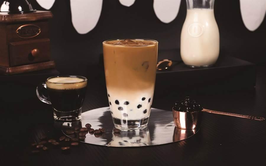 萊爾富Hi Café雙倍咖啡珍珠撞奶,65元。(萊爾富提供)