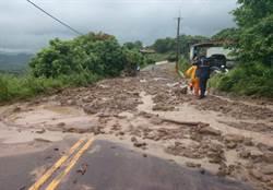 豪雨造成泥石流 六甲往楠西175線預警性封閉