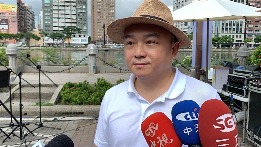 高市觀光局長潘恒旭考慮網友的提議,在明年春節期間舉辦全國衛生麻將大賽。(柯宗緯攝)