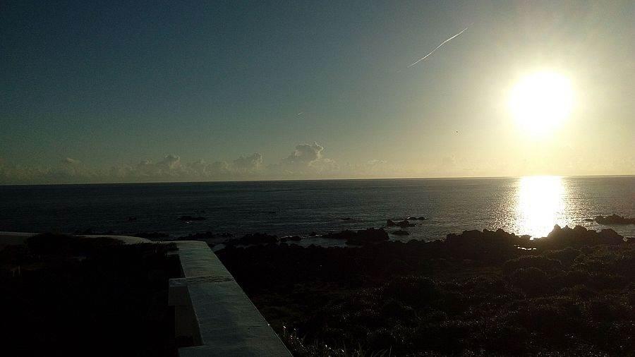 緊鄰富貴角的富基漁港,夕陽美景也是吸引遊客的特色之一。(圖取自新北市漁業處官網)