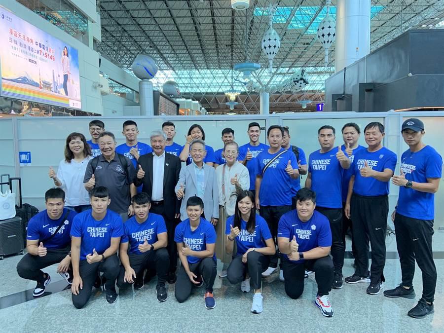 中華田徑代表隊今天開拔赴日本靜岡移地訓練。(中華田協提供)
