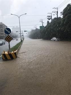 中部地區急降雨 大肚自由路一度積水