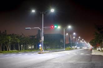中市水銀路燈汰換LED燈 年省逾億電費