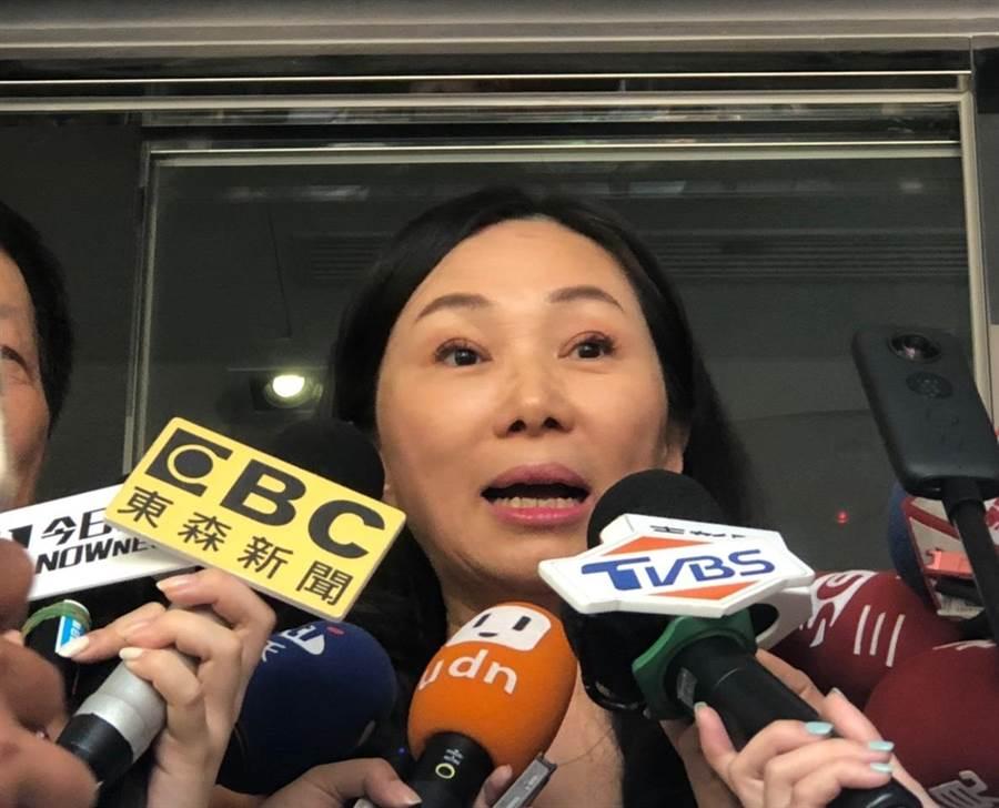 高雄市長夫人李佳芬今赴北市永康商圈交流。(吳堂靖攝)