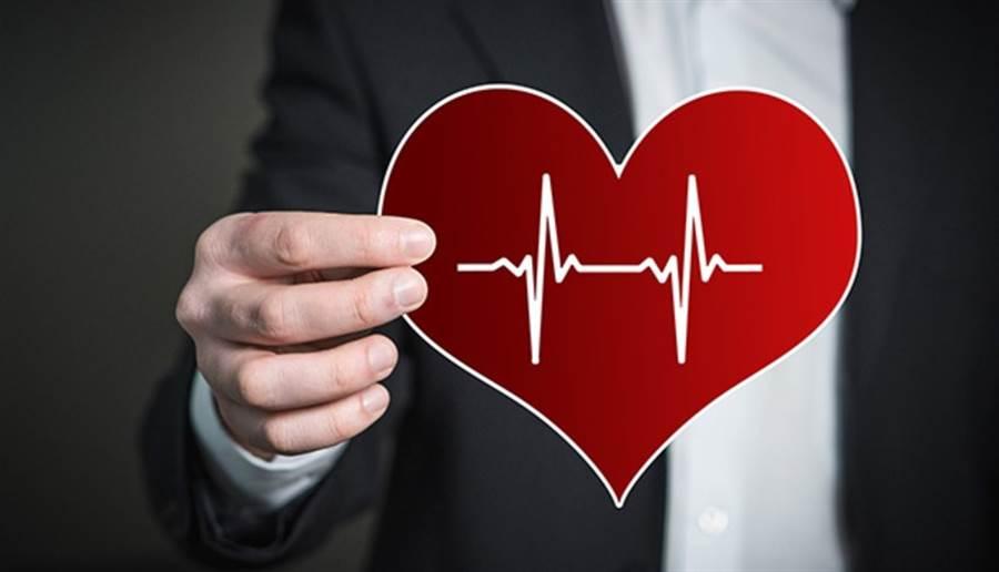 不健全的生活方式和飲食是當代社會的心臟病新危險因子。(圖/pixabay)