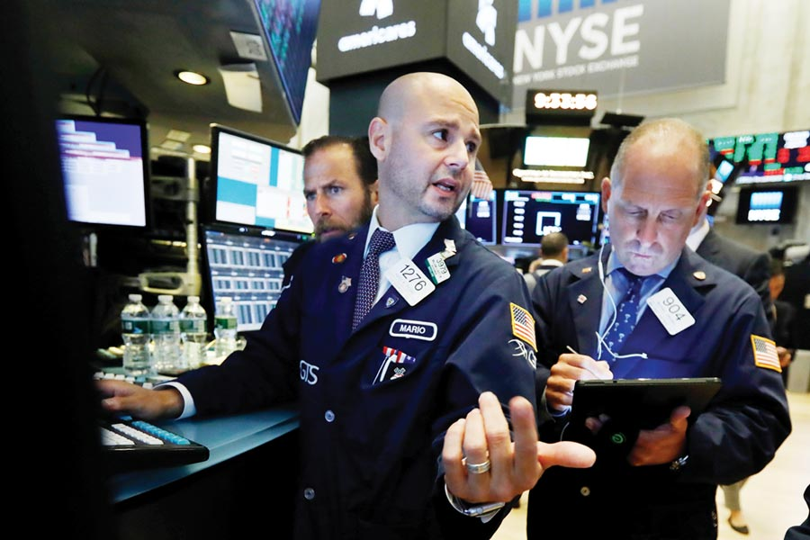 資金大舉搶進美國公債避險,美債本月可望創下逾4年來表現最強的單月紀錄。圖/美聯社