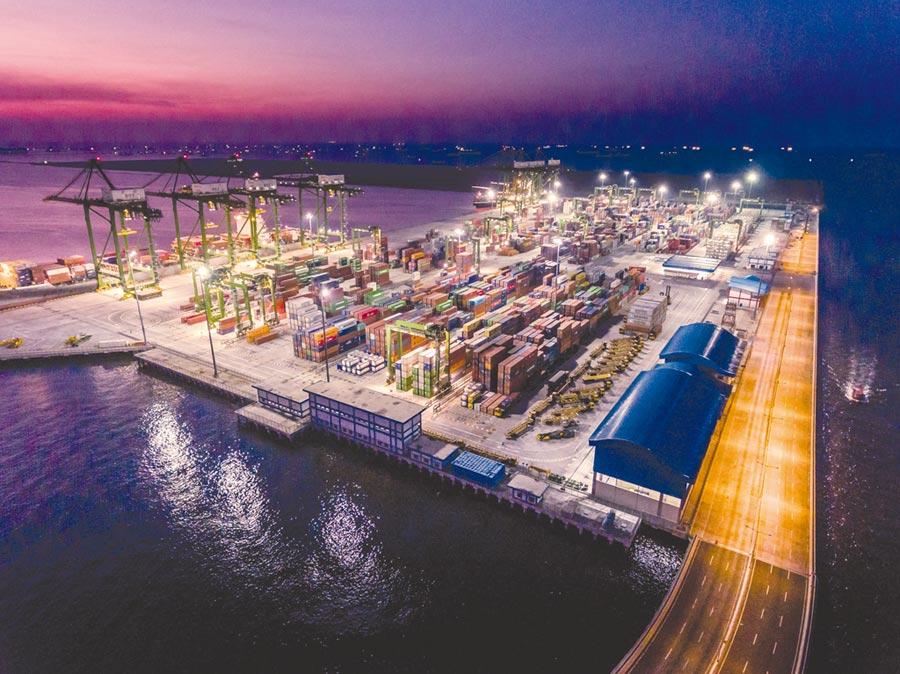 印尼加速興建港口,以連結境內群島及降低物流成本。圖/BKPM提供