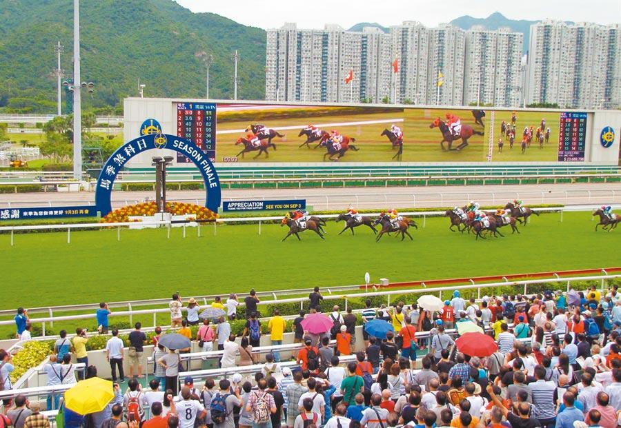 香港實施一國兩制以來,「馬照跑」。(中新社資料照片)