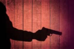 請警勸精神病患吃藥 竟3槍射死他