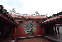 彰化縣古蹟修復首例 芬園寶藏寺主導並出資一半工程款整修前殿