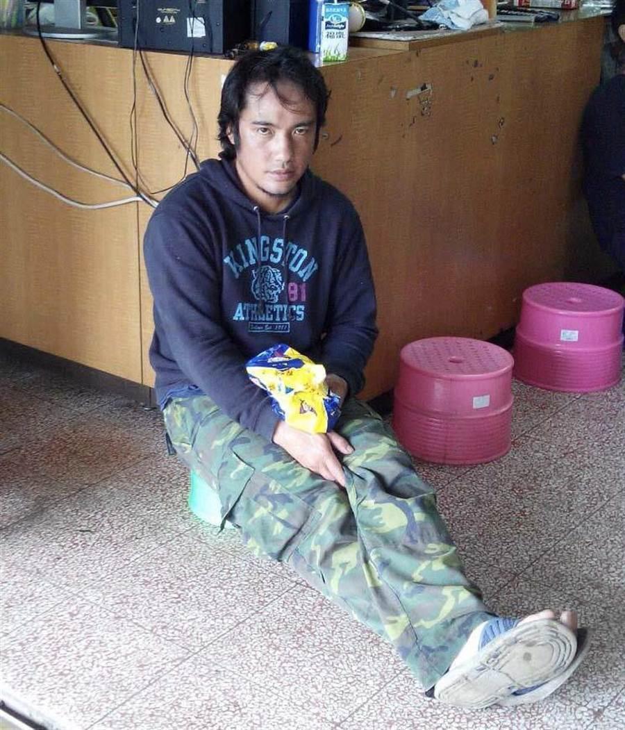 警方提供失蹤李男生活照片,若有民眾發現可與警方聯繫。(林雅惠翻攝)