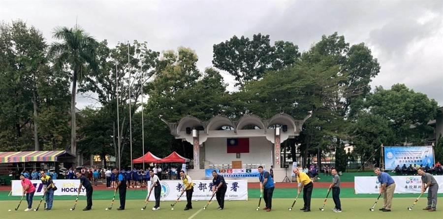 南投國際曲棍球賽,18日在國立竹山高中開打。(廖志晃攝)