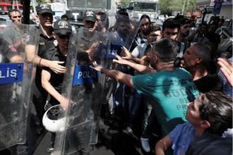 土耳其免職3庫德市長 引爆東南部抗爭