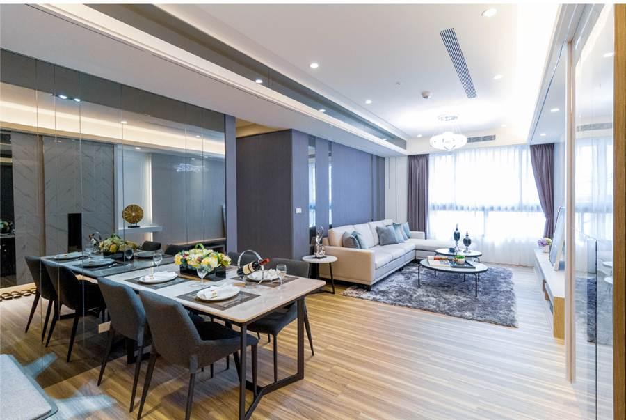 格局規劃大客廳、餐廳,採光佳。圖/蔡林攝。