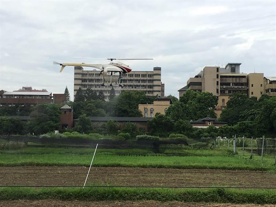 揭牌儀式現場展演「神農無人直升機」(ALPAS Ⅱ)。(游昇俯攝)