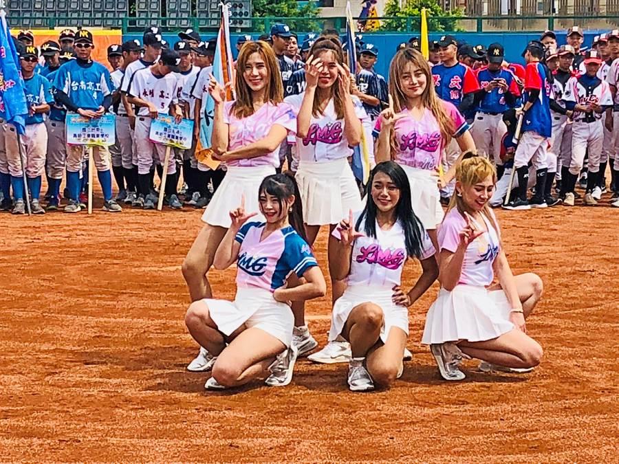 6名LamiGirls也為即將於9月1日在桃園市青埔國際棒球場舉辦的「桃園市金門日」拍攝宣傳影片。(李金生攝)