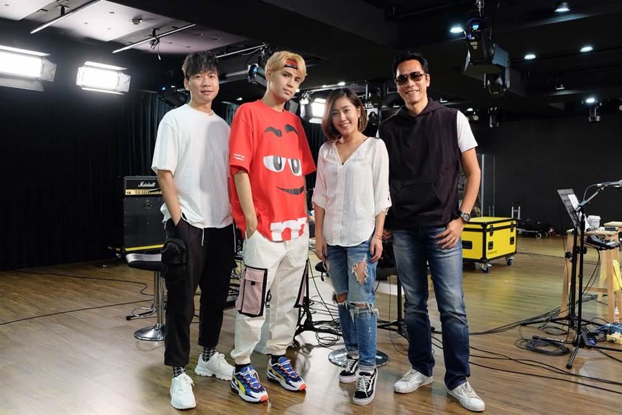 小男孩樂團邀陳零九(左2)擔任演唱會嘉賓。(滾石唱片提供)