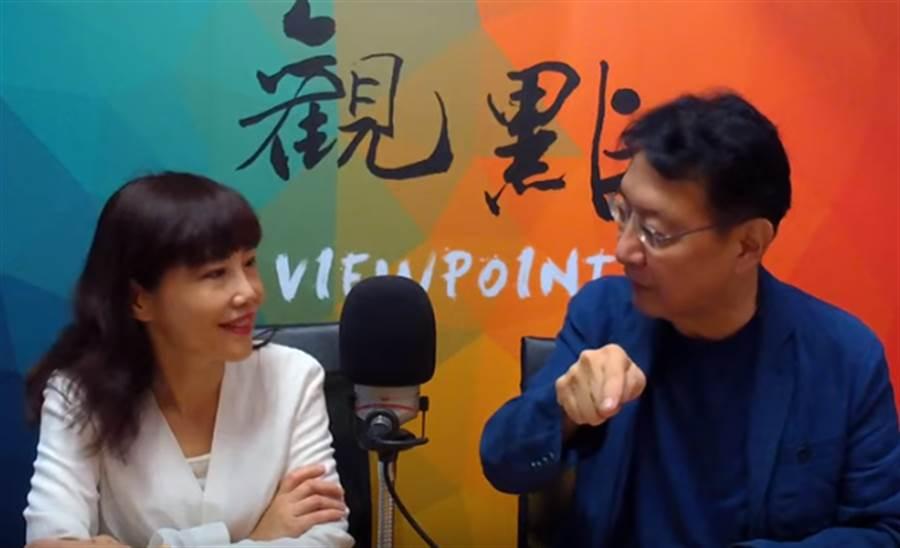 趙少康(右)今日在直播中說為何訪問韓國瑜都沒有笑。圖左為尹乃菁。(圖/擷取自《趙少康x尹乃菁觀點》Youtube頻道)