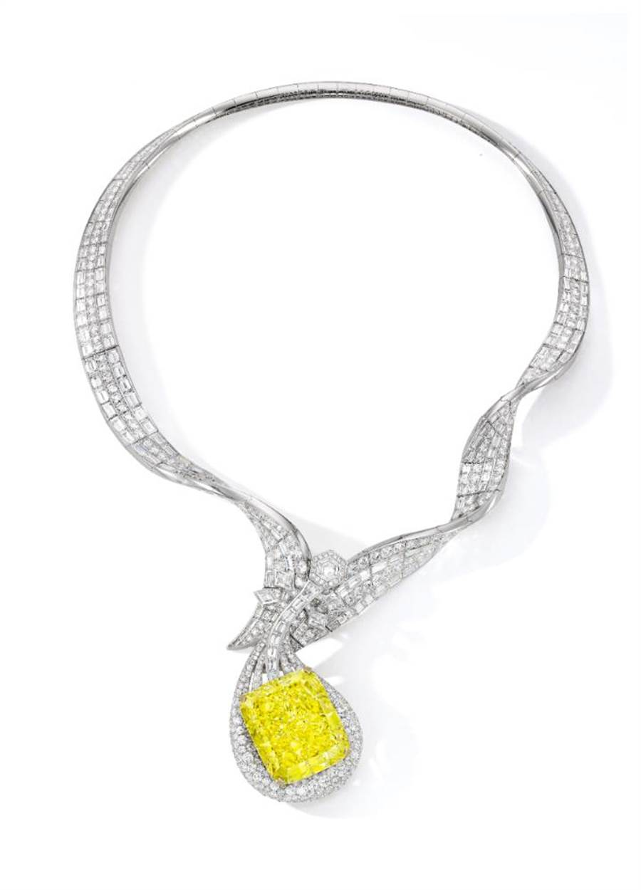 ANNA HU絲路音樂系列「敦煌琵琶」黃鑽項鍊,起拍價4000萬港幣。(ANNA HU提供)