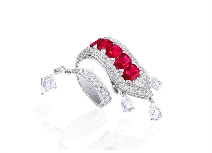 ANNA HU絲路音樂系列「熱情」(Appassionata)戒指,起拍價65萬港幣。(ANNA HU提供)