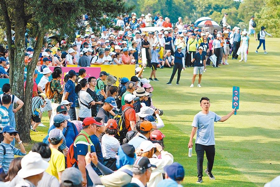「2019中國信託女子公開賽」決賽現場吸引超過5,000位球迷為選手喝采,創下林口球場史上新高!(中國信託銀行提供)