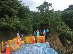 豪雨釀山區道路崩塌 中市建設局快速搶修