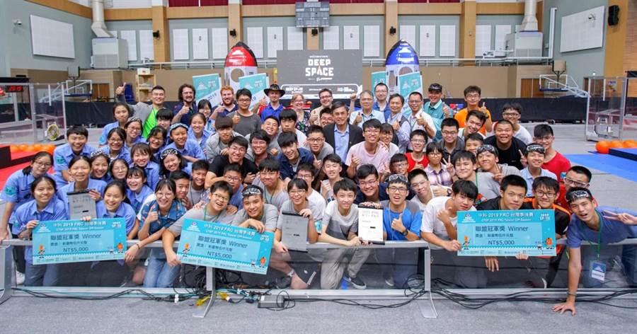 中科管理局在中科實驗高中體育館舉辦2019 FRC(FIRST Robotics Competition)季後賽,來自各校的高手較勁。(盧金足攝)