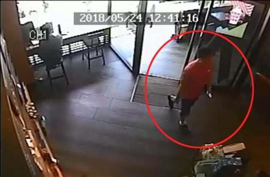去年8月19日爆發內湖星巴克廁所偷拍,檢察官調查後,依妨害秘密罪嫌對王男提起公訴。(報系資料照)