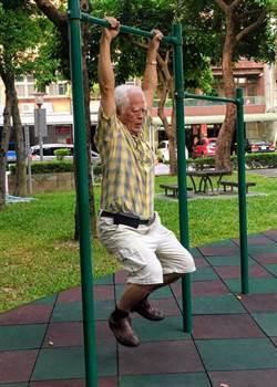 長輩最怕不出門    動動身體好處多