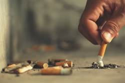 2歲童日抽40支菸 如今現況曝光