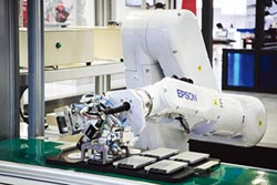 Epson機械手臂 全新應用亮相