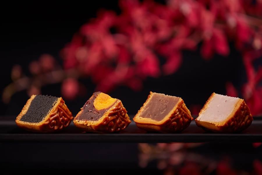 國賓飯店集團〈豐月鉑金〉禮盒有4入月餅,共有芝麻、紅豆蛋黃、桂圓、芋頭口味。(圖/國賓飯店集團)