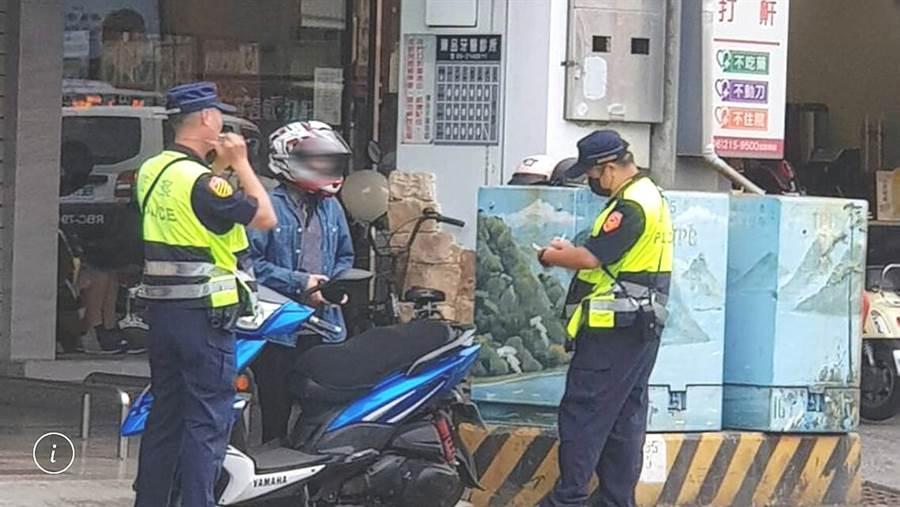 台南市警局為洗刷汽機車傷亡6都最高的汙名展開強力執法。(洪榮志翻攝)