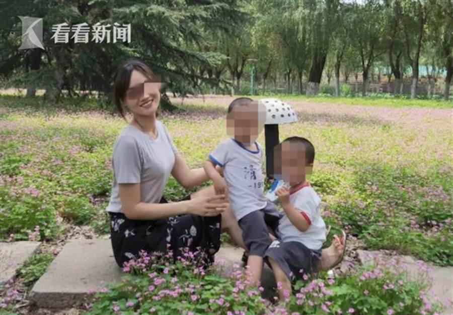 死者与丈夫育有一对不到2岁的双胞胎小兄弟。(翻摄自看看新闻)