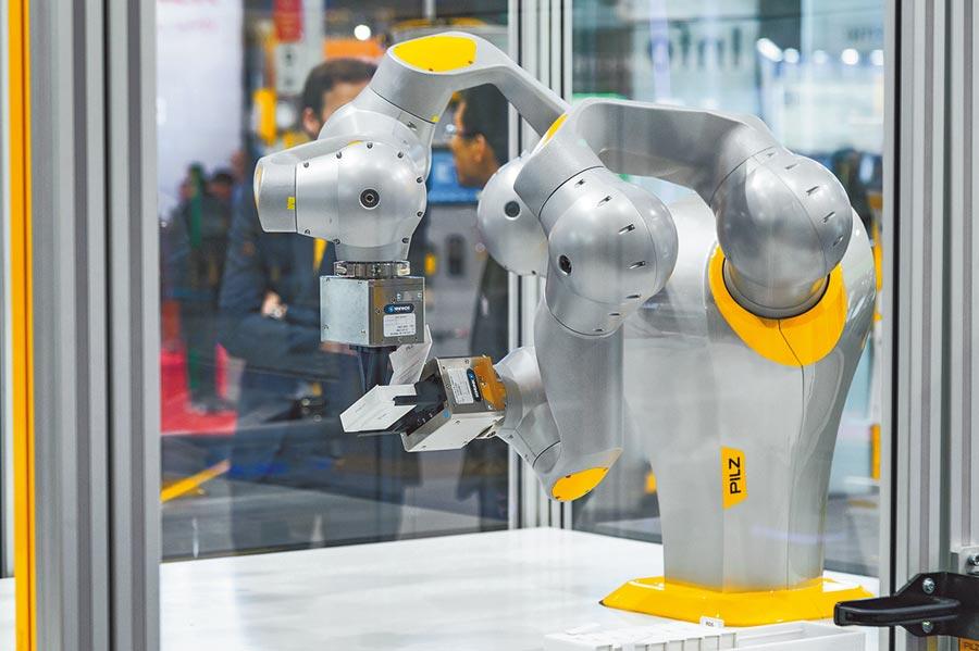 Pilz服務機器人模組為工業環境提供一系列服務應用。圖/業者提供