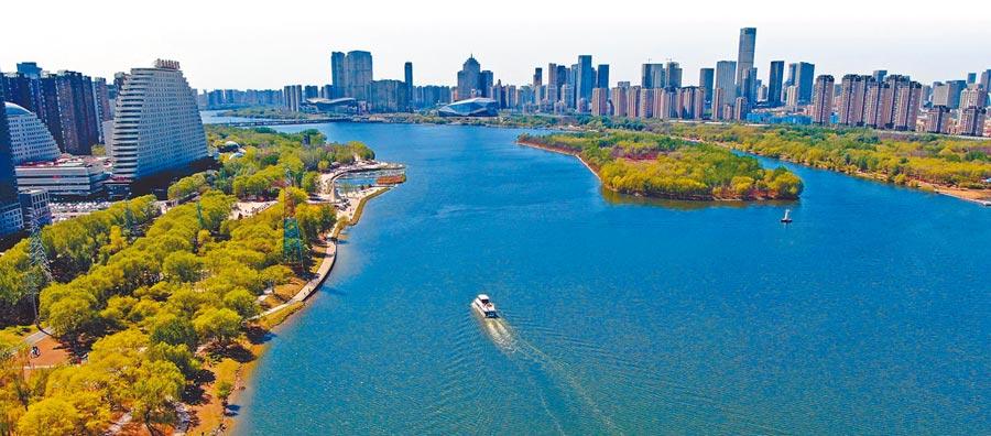 無人機拍攝的瀋陽渾河兩岸景色。(新華社)