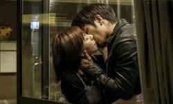 郭雪芙熱吻劉以豪 竟讓男方害羞語塞