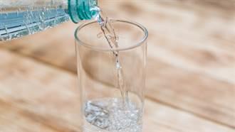 水不能狂灌!中醫:這時間點喝能排毒