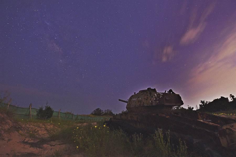 無光害下的金門夜空,一片星光燦爛美景。(董森堡議員提供)