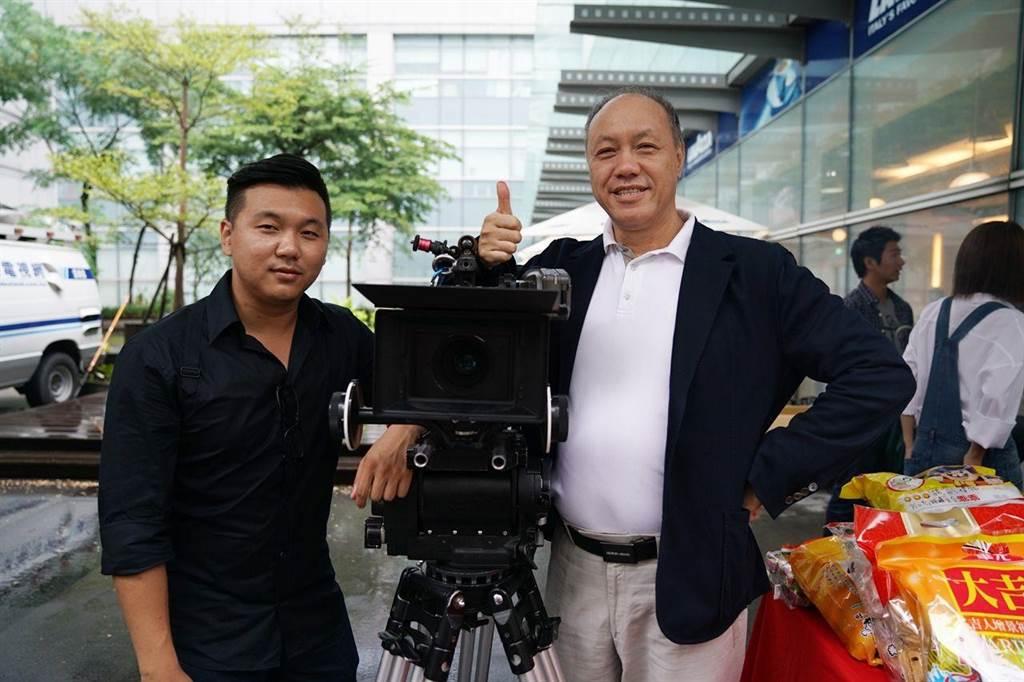 王鼎霖(左)的父親王鈞雖嘴上說不想兒子拍電影,但還是資助他。(資料照)