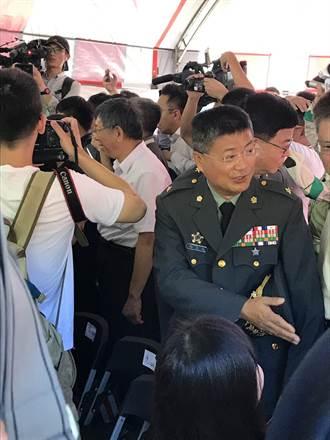郭柯王合體 媒體搶拍場面失控