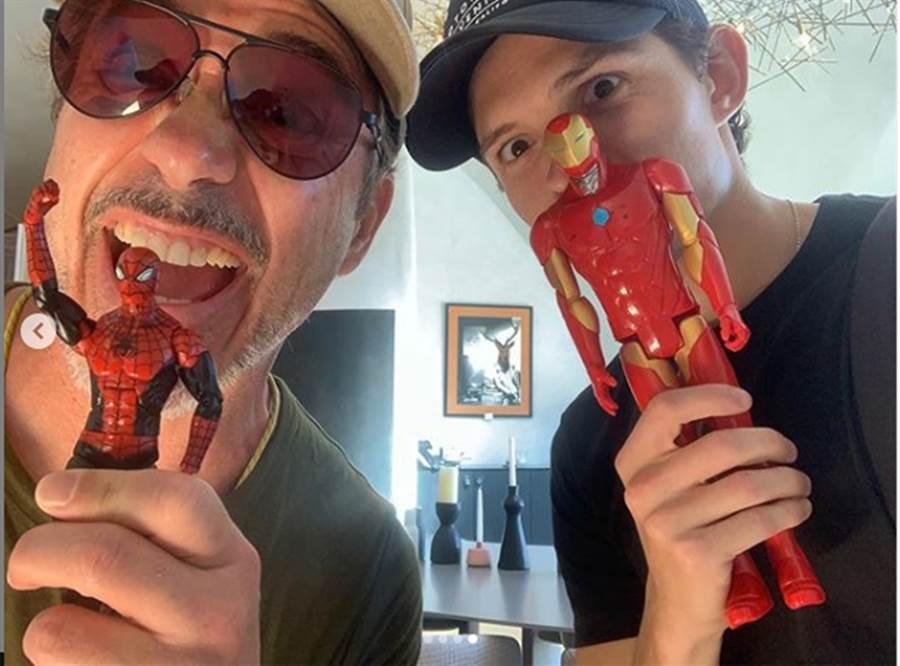 湯姆霍蘭德和小勞勃道尼自拍。(圖/翻攝自tomholland2013 IG)