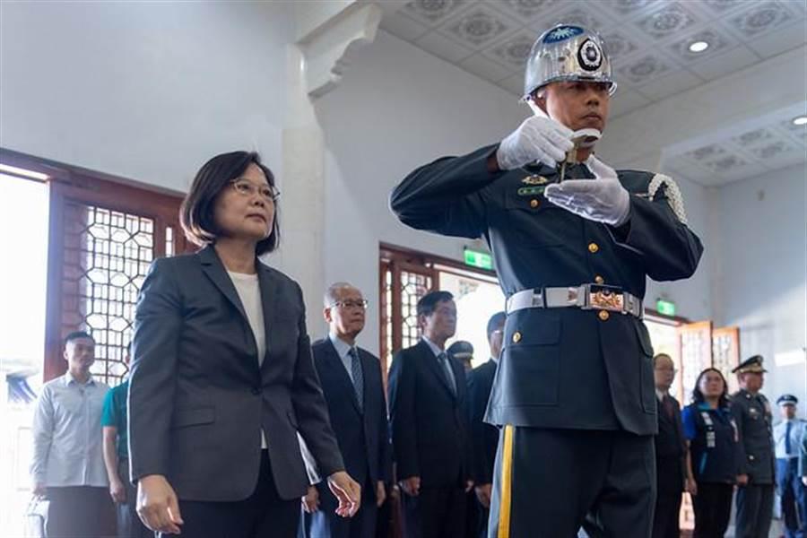 總統蔡英文首度赴金門出席八二三砲戰紀念儀式。(圖/總統府提供)