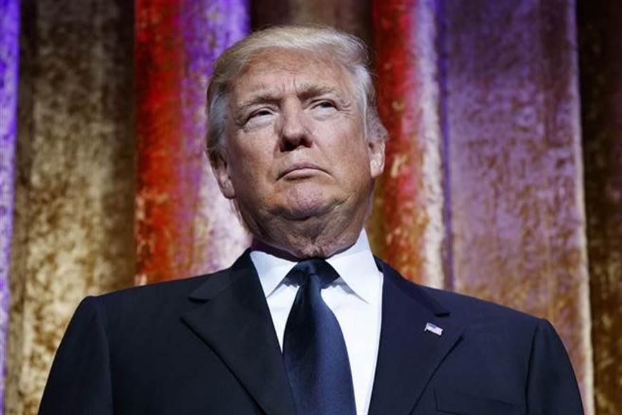 大摩分析师表示,美国总统川普主动挑起的贸易战,恐导致全球经济陷入衰退。(美联社资料照)
