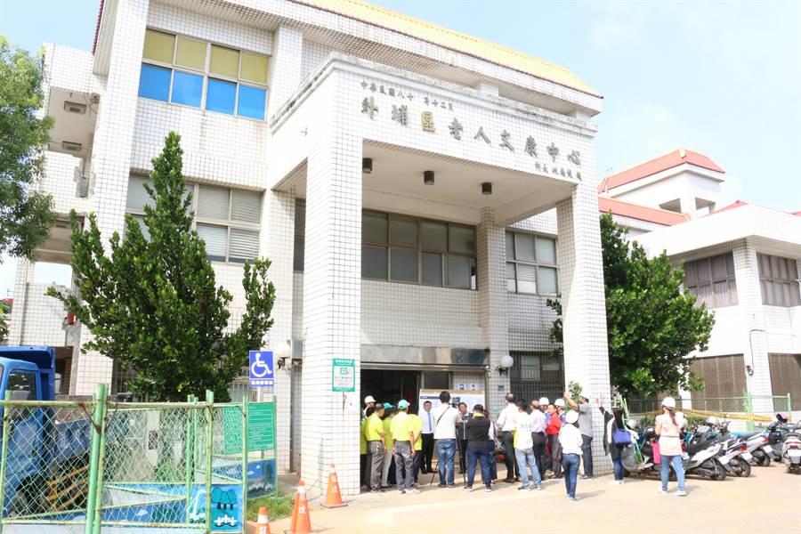 外埔老人文康中心未達耐震能力標準值,將投入逾905萬元,進行補強作業。(陳淑娥攝)