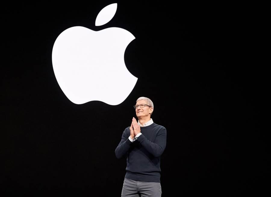 蘋果 CEO Tim Cook 開場主持 2019 年三月份春季發表會。(圖/翻攝蘋果官網)