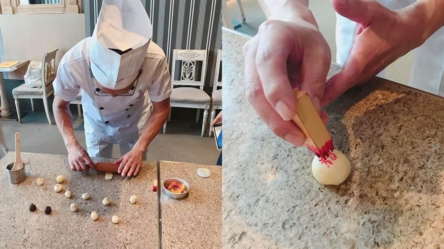 郭元益糕餅師傅親自示範糕點手工製作過程。(圖/邱映慈攝影)