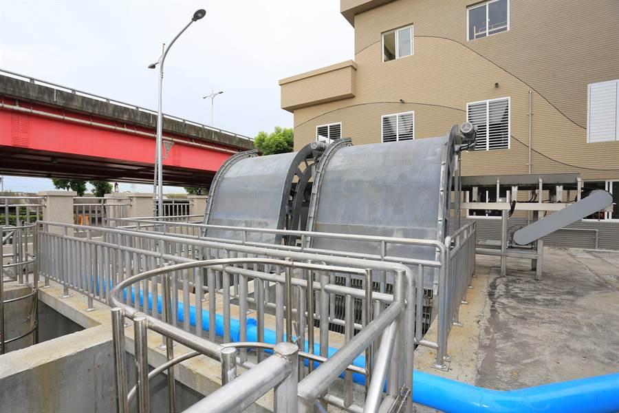 因應白鹿颱風海上警報發布,台中市府啟動各項防災整備。(盧金足攝)