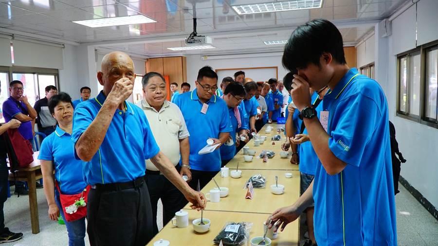 台北市、新北市2019年製茶技術競賽23日登場。(實習記者林柏任翻攝)